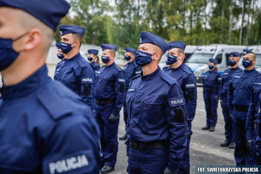 Powiększają się szeregi świętokrzyskiej policji