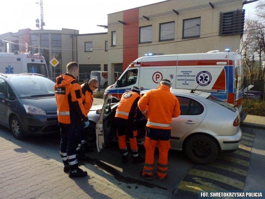 Kierowca miał atak epilepsji. Groźny wypadek na kieleckim Barwinku