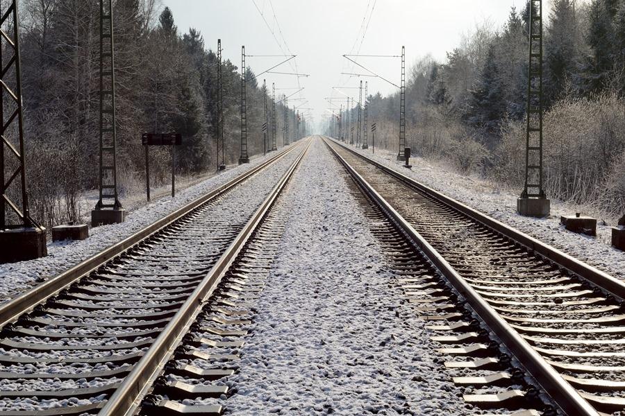 """Propozycje nowych linii kolejowych do CPK oprotestowane. Wójt: """"Masa ludzi do wysiedlenia"""""""