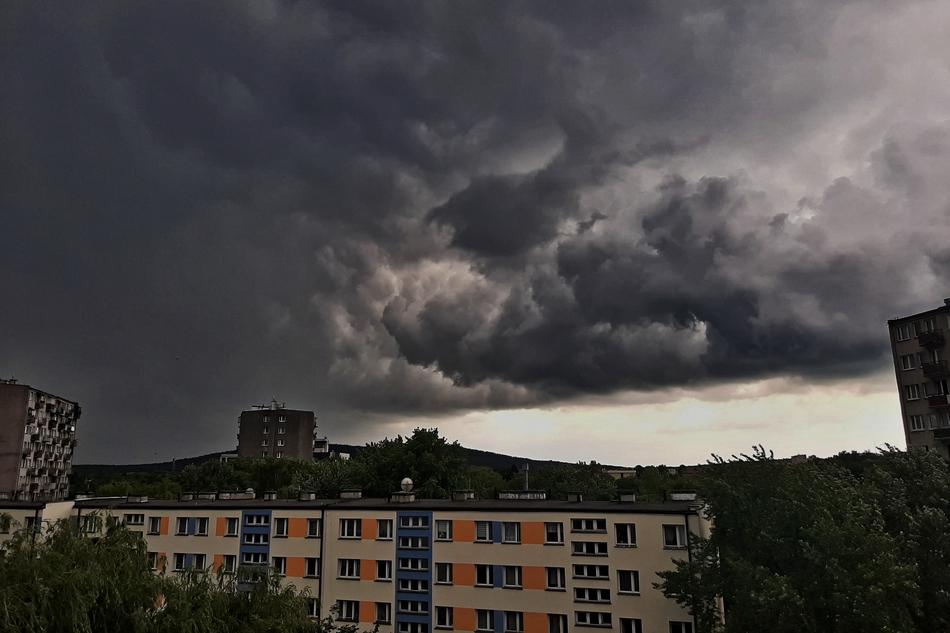 Nadchodzą burze z gradem