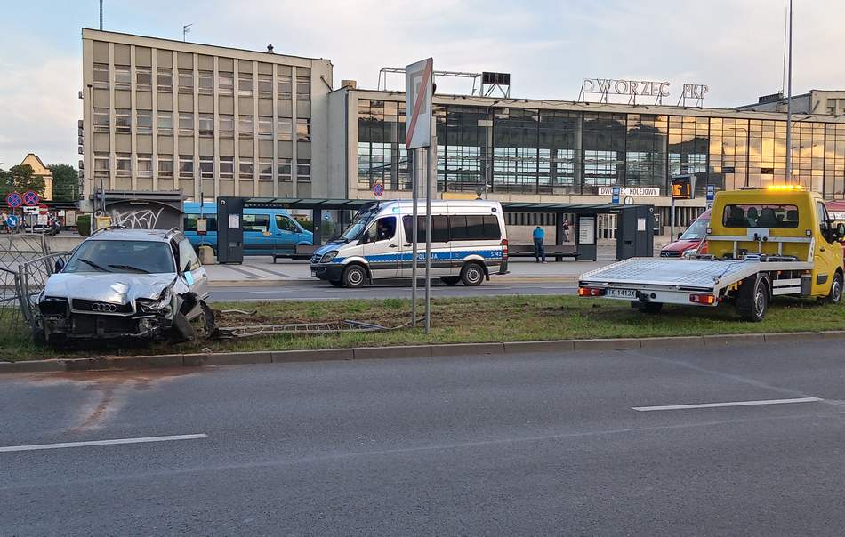 Noc rajd po centrum Kielc zakończony na barierach (ZDJĘCIA)