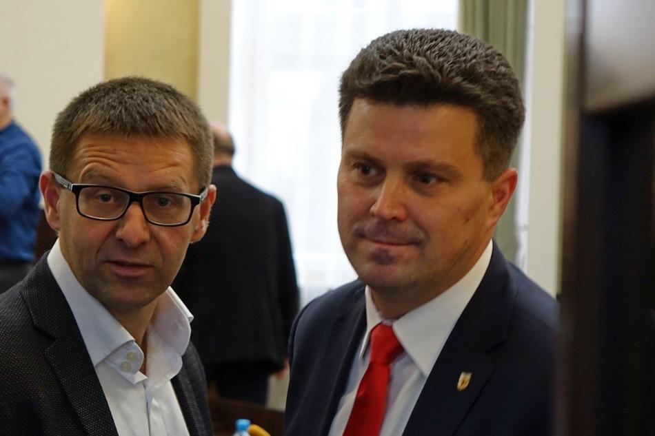 Potężny desant z Zagnańska do Kielc. Sekretarz Szczepan Skorupski zatrudnił 80 osób?