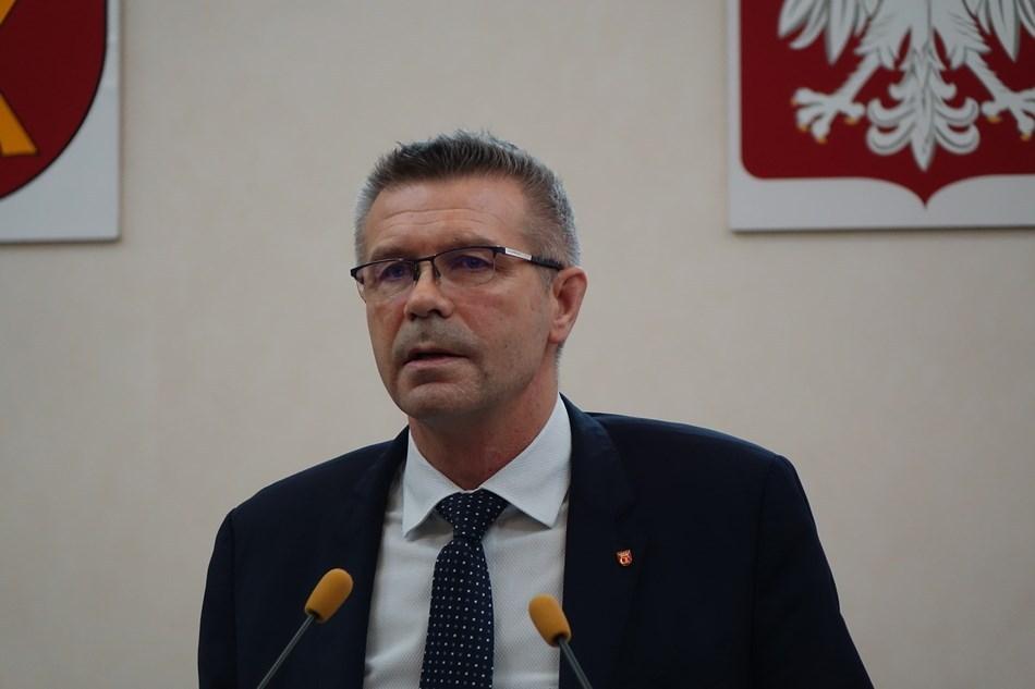 Pandemia i dziurawy budżet a prezydent Kielc przyznaje nagrody