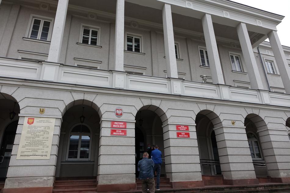 Radni apelują do prezydenta o niższe podatki i debatę o kryzysie COVID-19