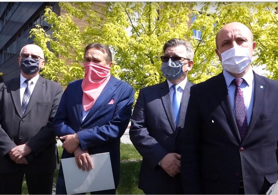Starostwo Powiatowe w Kielcach podjęło kolejne działania w sprawie pogorzeliska w Nowinach