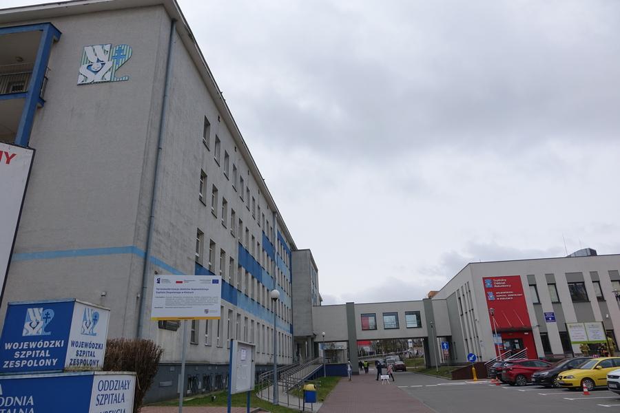 Lekarze zarażeni koronawirusem. Problemy szpitala na Czarnowie