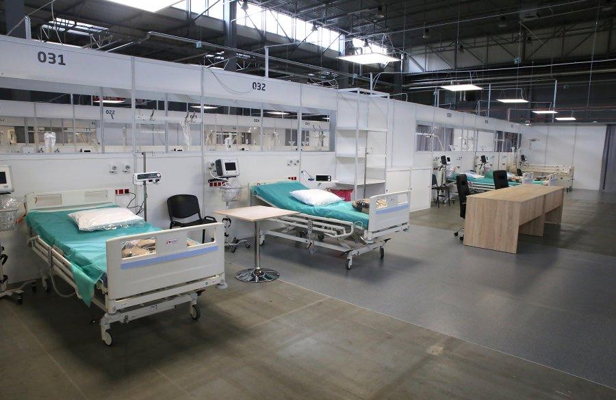 Tymczasowy szpital w Targach Kielce gotowy na przyjęcie 300 pacjentów