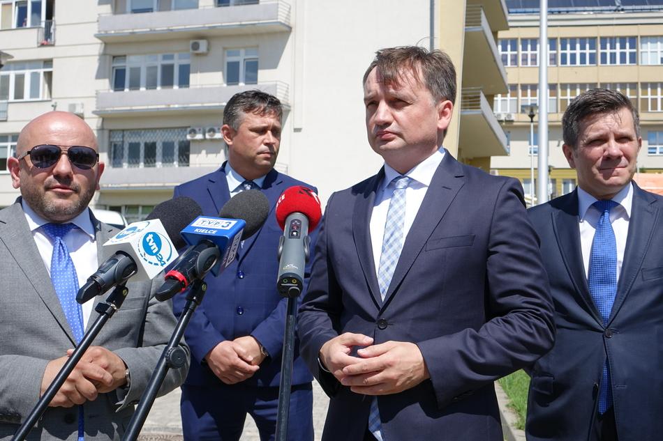 Minister Ziobro w szpitalu na Czerwonej Górze