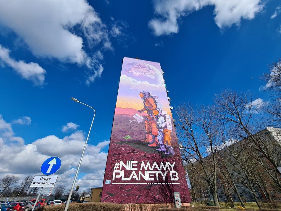 Ekologiczna rewolucja. Oczyszczają powietrze mural powstał w Kielcach (ZDJĘCIA)