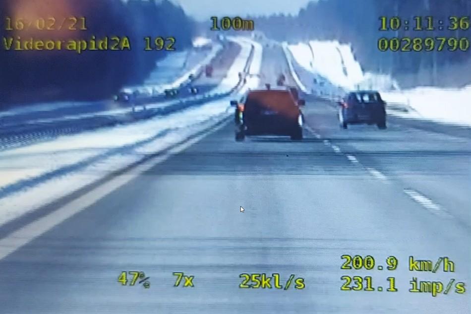 Bmw pędził 200 km/h na kieleckim odcinku S-7