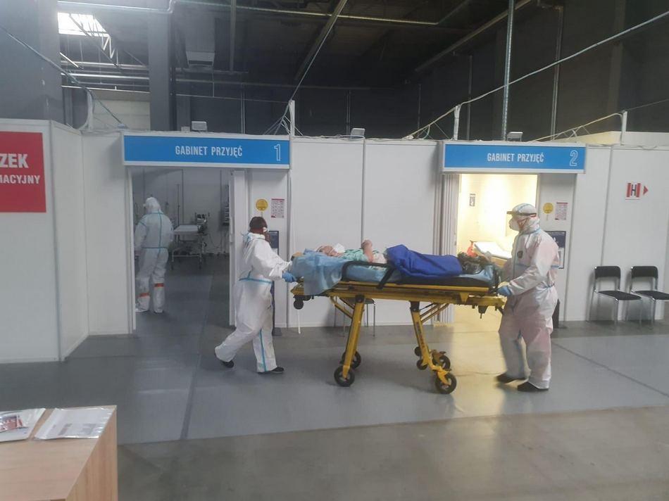 Szpital tymczasowy w Targach Kielce przyjął pierwszego pacjenta