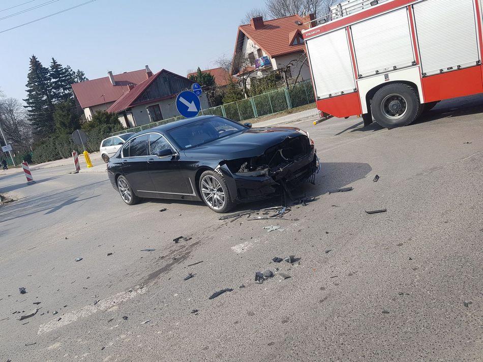 Europoseł PiS Dominik Tarczyński rozbił swoje BMW
