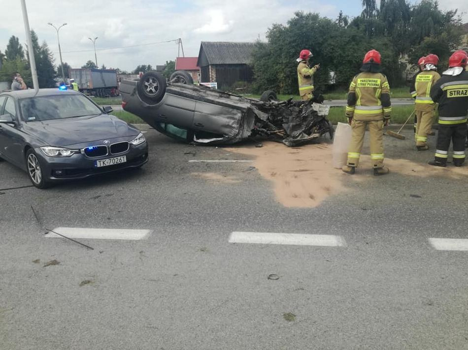 Po wypadku na Krakowskiej. W szpitalu zmarł jeden z kierowców