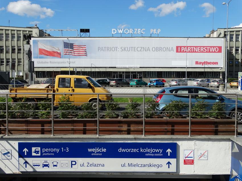 Dworzec kolejowy i autobusowy w jednym miejscu