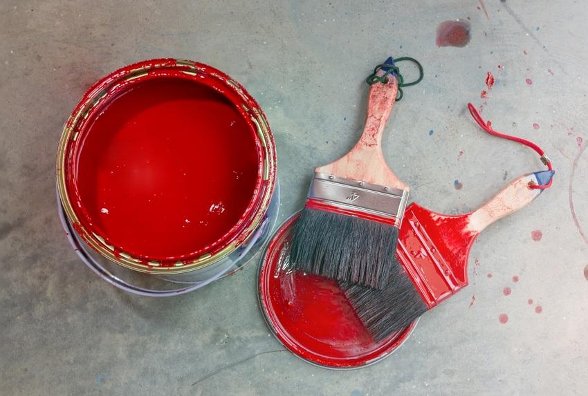 Jak odświeżyć malowane powierzchnie betonowe w piwnicy lub w garażu?