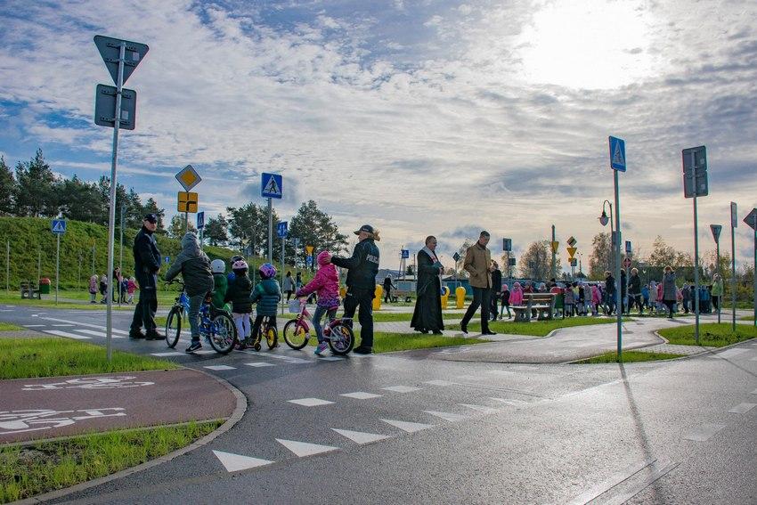 W Nowinach otworzyli miasteczko ruchu drogowego