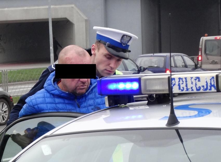 Pijany kierowca bmw usłyszał zarzuty. Przyznał się, ale częściowo