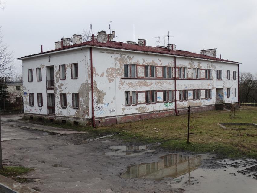 Wyburzono dawny hotel pracowniczy