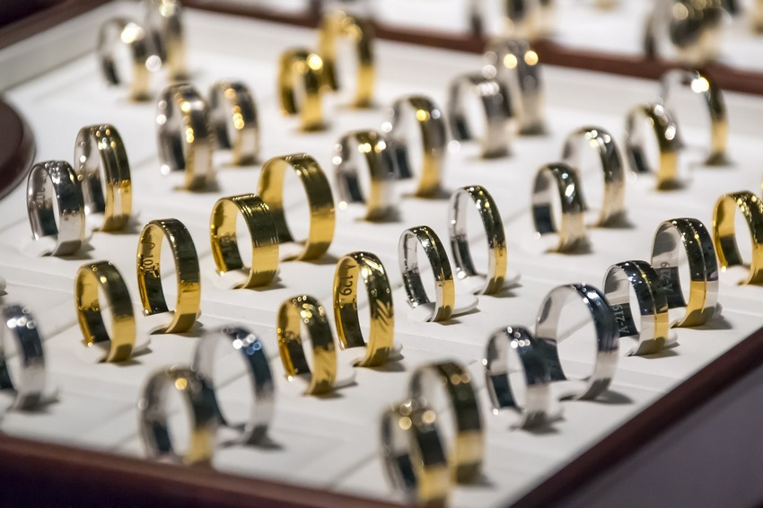 Kielczanka ukradła 23 pierścionki