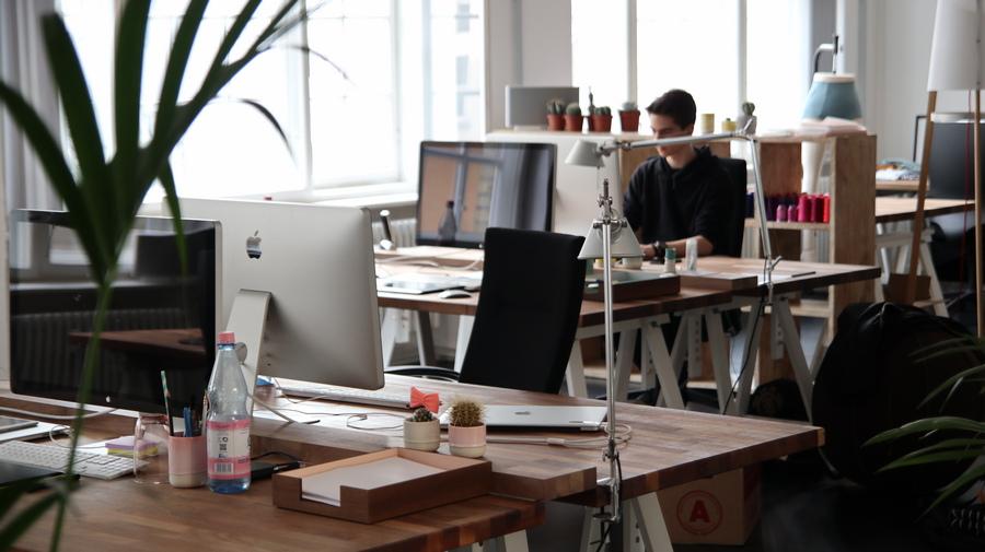 Jak wybrać najlepsze meble biurowe? Doradza salon z Katowic