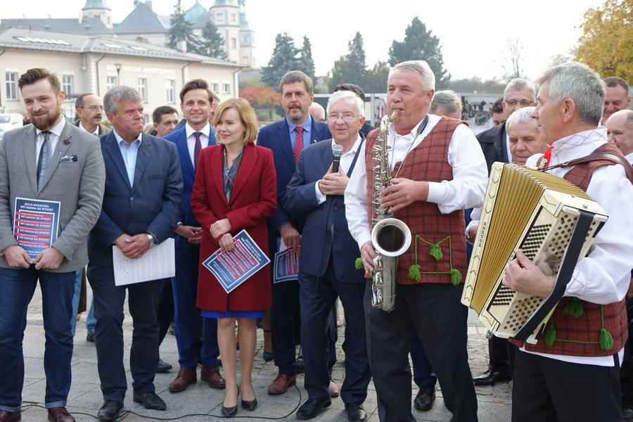 Świętokrzyski PiS zachęca do udziału w wyborach (WIDEO)