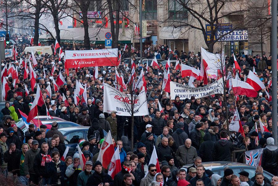 Pociągiem z Kielc na Marsz Niepodległości