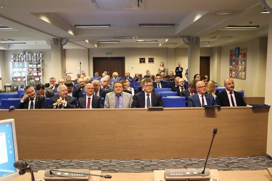 Budżet 2020 powiatu kieleckiego. Wydatki na inwestycje i utrzymanie placówek