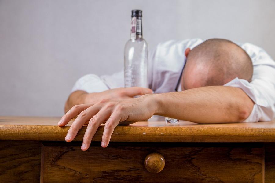 Komisja alkoholowa po znajomości? Wśród nowych członków fotograf prezydenta Wenty z kampanii