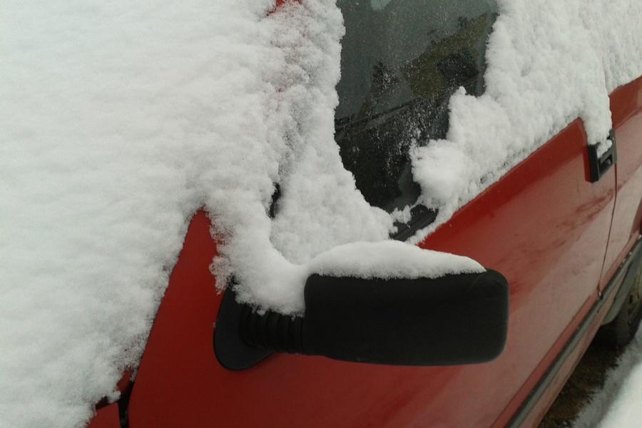 Zima nie odpuszcza. Synoptycy ostrzegają przed intensywnymi opadami śniegu
