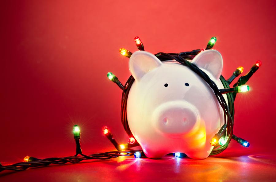 Promocje, rabaty, okazje. Jak sfinansować choinkowe prezenty?