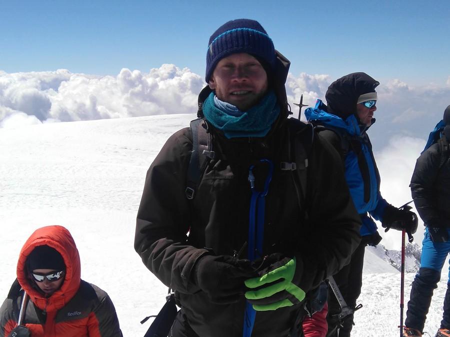 Elbrus i Ironman w cztery tygodnie. Niezwykły wyczyn kielczanina!