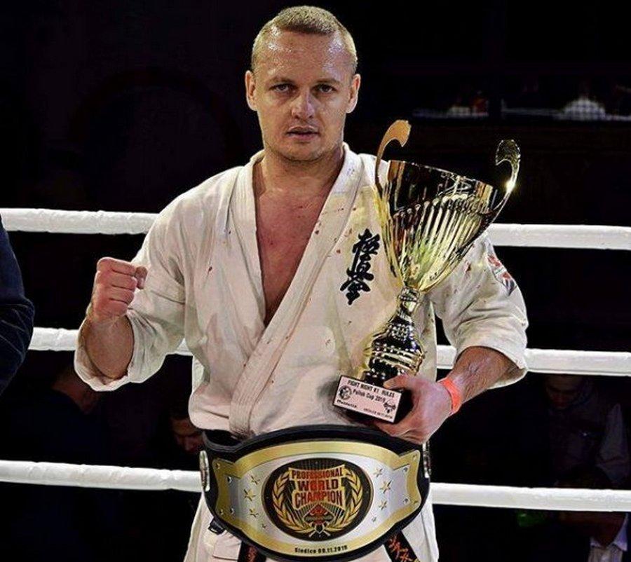Kielecki policjant mistrze karate