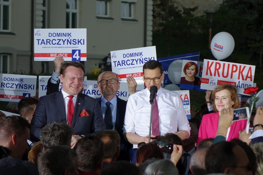 Premier Morawiecki w Kielcach: Mamy znakomitą drużynę (WIDEO)