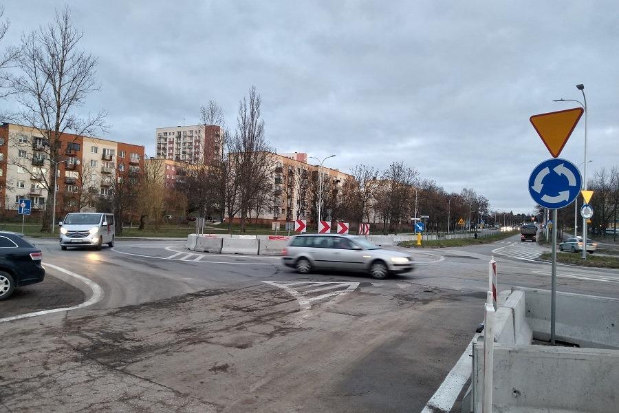 Nowe rondo w Kielcach. Ma ułatwić zawracanie