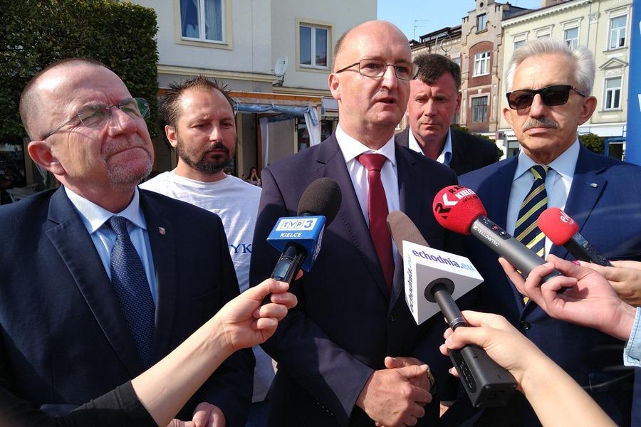 Piotr Wawrzyk proponuje rozwój usług medycznych