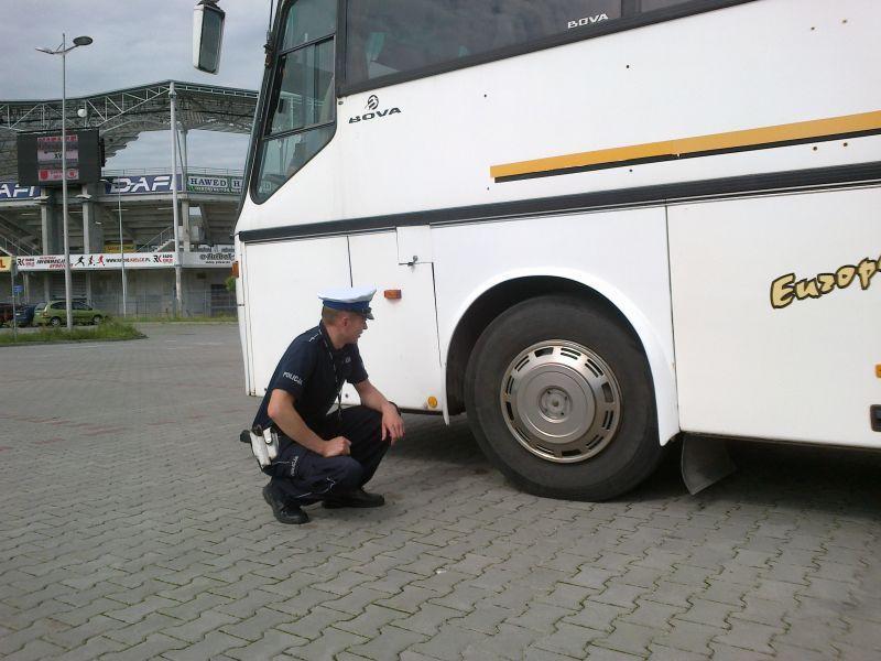 Policjanci sprawdzą autokary