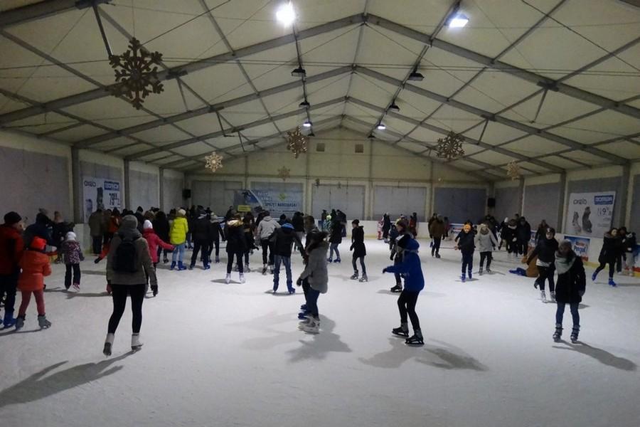 Otwarcie krytych lodowisk w Kielcach. Ślizgawka za darmo i pokaz freestyle