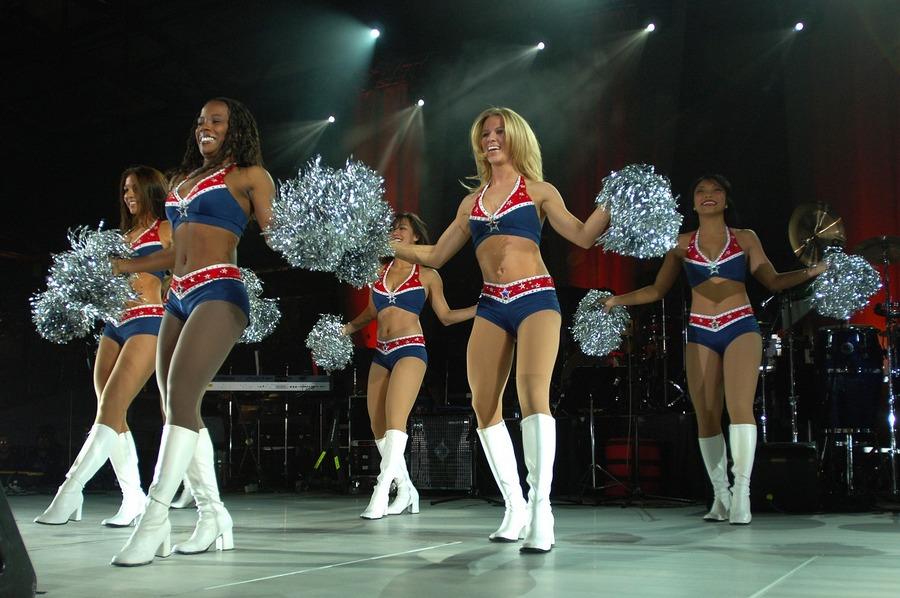 Pompony i akrobacje. Ruszają mistrzostwa cheerleaderek