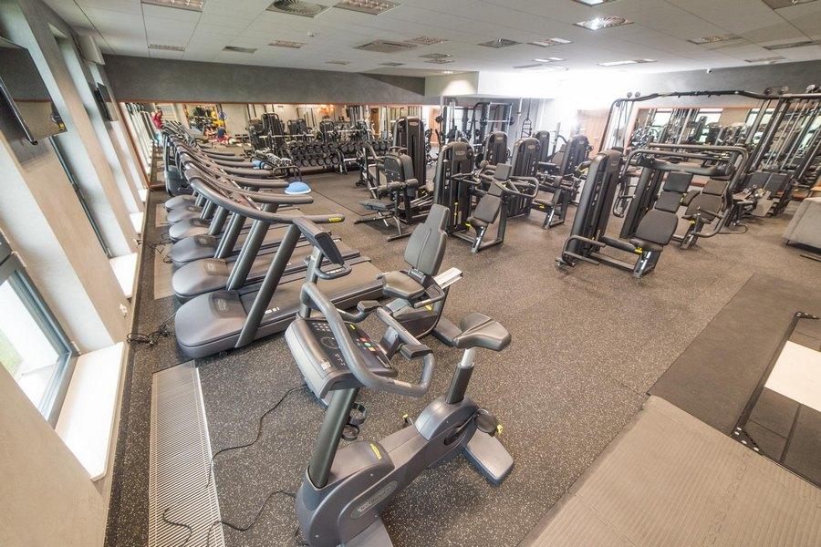 Niegospodarność w Nowinach. Wójt otworzył siłownię a za sprzęt przepłacił blisko 300 tysięcy