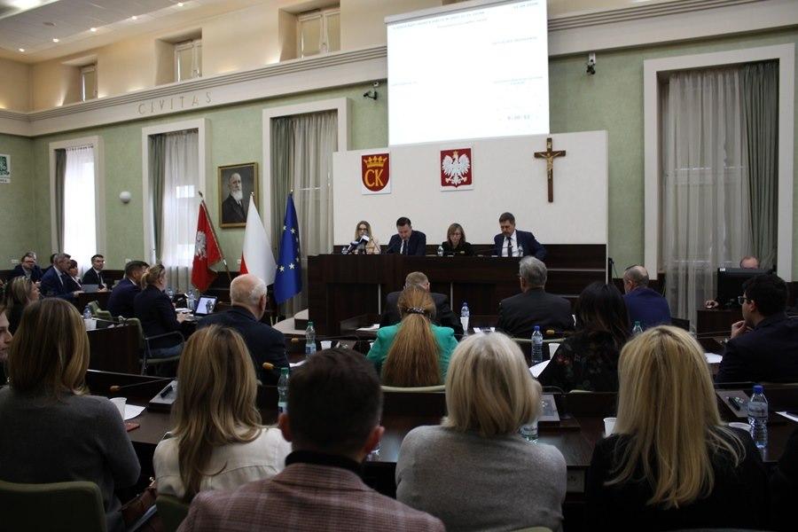Sesja Rady Miasta Kielce. Rozpatrzą blisko 60 spraw