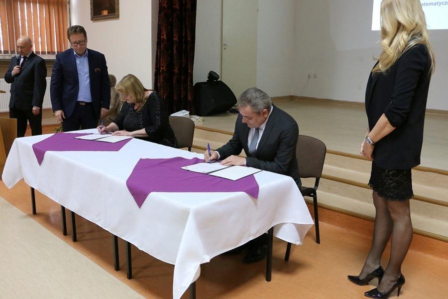 Szkoły z Kielc i ukraińskiej Winnicy będą współpracowały