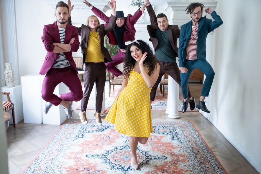 Kusz! Nowy kielecki zespół zaśpiewał dla Filipa Chajzera (WIDEO)