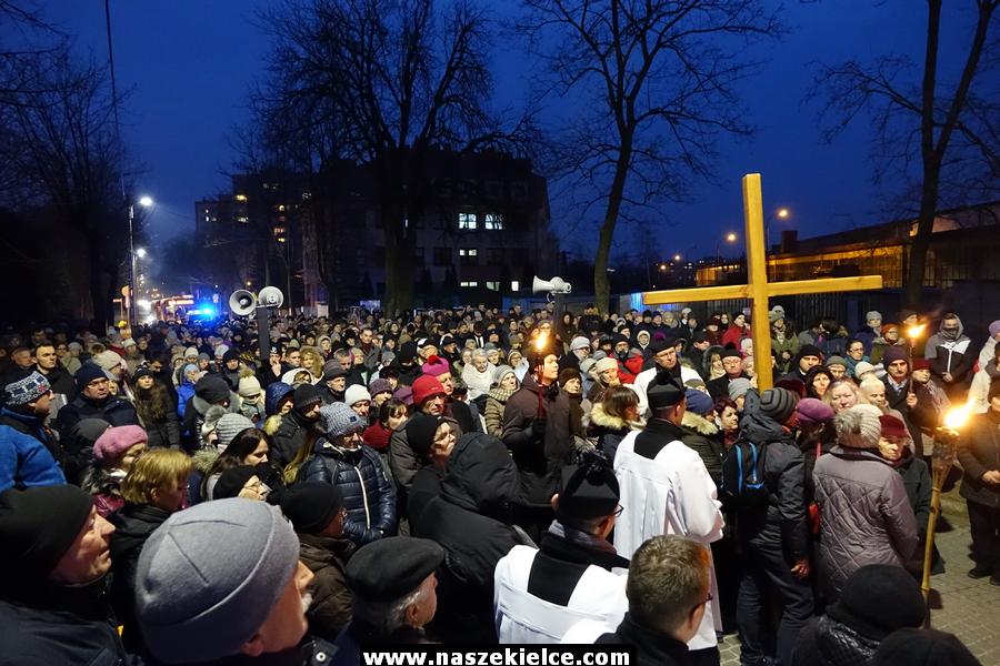 Droga krzyżowa na Karczówkę 23.03.2018