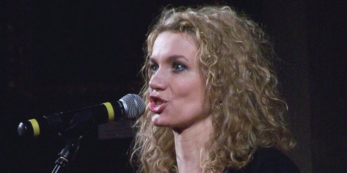 """kielce kultura """"Jak wybrnąć z gafy"""" - koncert Joanny Trzepiecińskiej w Instytucie Kultury Spotkania i Dialogu"""