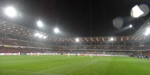 kielce sport Remis w strugach deszczu (ZDJĘCIA)