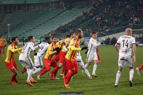 kielce sport Dotkliwa porażka w Warszawie (ZDJĘCIA)