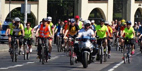 kielce wiadomości Pojechali z biskupem na rowerową majówkę (ZDJĘCIA)