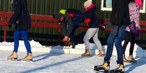 kielce wiadomości MOSiR zaprasza na lodowisko na Szczecińskiej. Można pojeździć