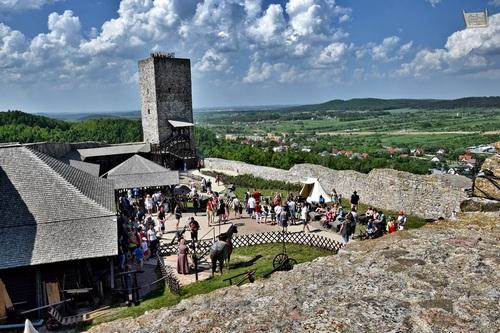 kielce wiadomości 20 tysięcy turystów na Zamku w Chęcinach!
