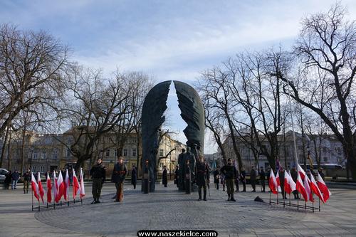 kielce wiadomości Kielczanie uczcili 78.rocznicę powstania Armii Krajowej (ZDJĘCIA)